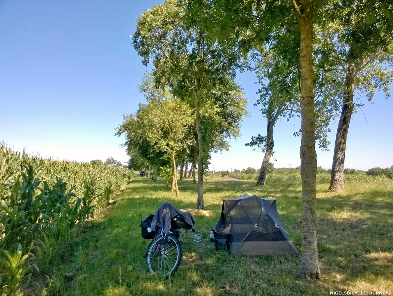 WILD CAMPING 🇫🇷 France - NIGELS BICYCLE JOURNEYS